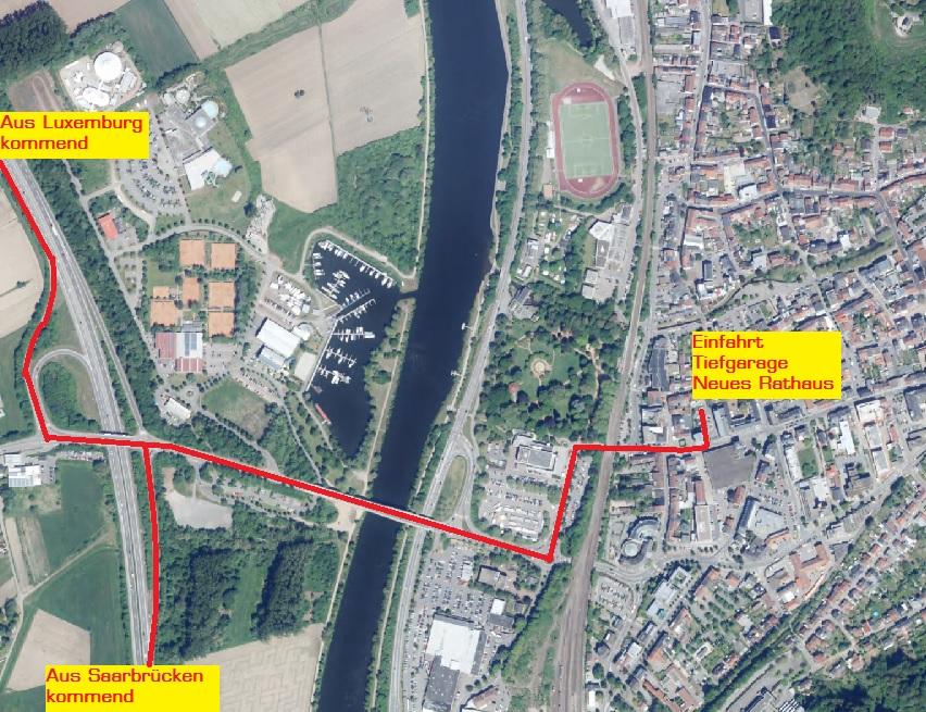 Luftbild Merzig mit Anfahrt Merziger Rathaus
